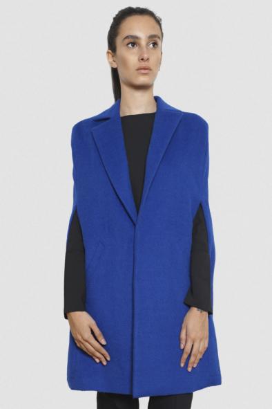 lola_alpaca_cape_klein_blue_tailor_hand_made_fashion_luxury_style_winter_women_collection